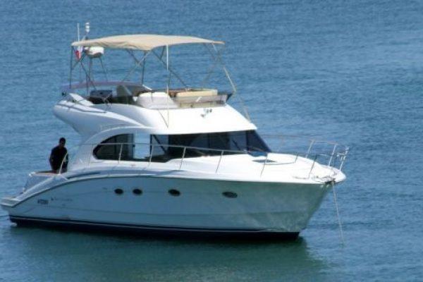 location de bateau moteur habitable avec cabine dans le golfe du morbihan. Black Bedroom Furniture Sets. Home Design Ideas