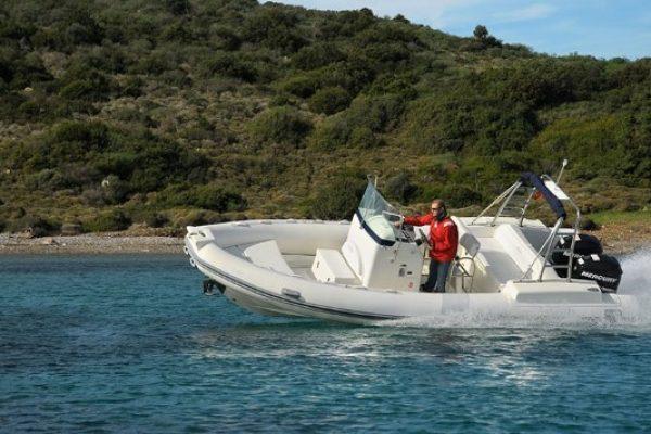 location de bateau moteur semi rigide dans le golfe du morbihan. Black Bedroom Furniture Sets. Home Design Ideas